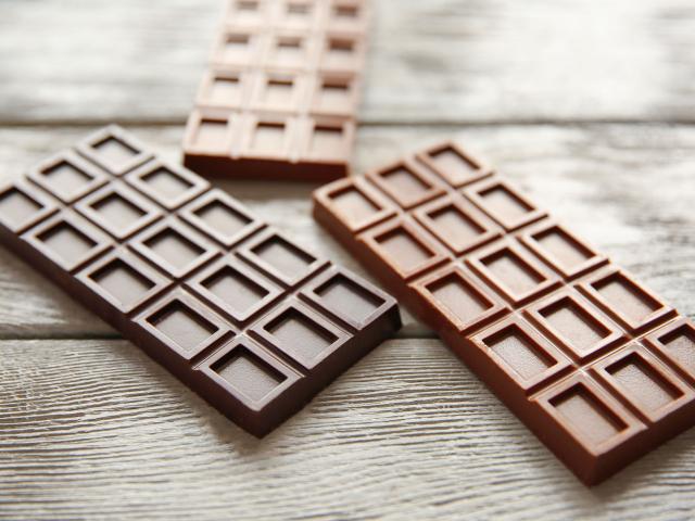 """Indiában piacra dobták a """"4 az 1-ben"""" táblás csokit"""