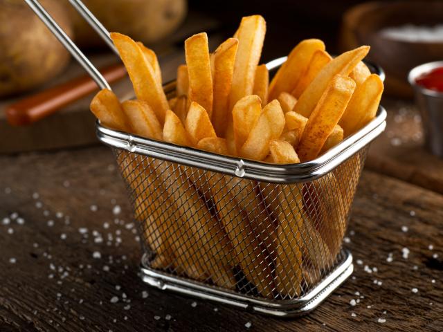 Krumplitények következnek – te mindent tudsz a sült burgonyáról?
