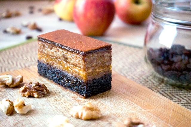 Nyers, vegán és nagyon finom – édes élet kompromisszumok nélkül, egészségtudatos desszertekkel