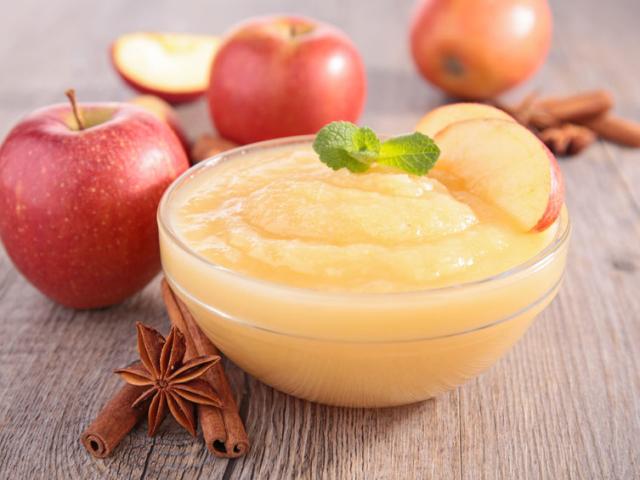 Az almaszósz a konyha kaméleonja, tojást és zsiradékot is helyettesíthetünk vele