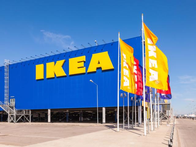 Környezettudatos döntés: az IKEA kivonja választékából az egyszer használatos műanyag termékeket