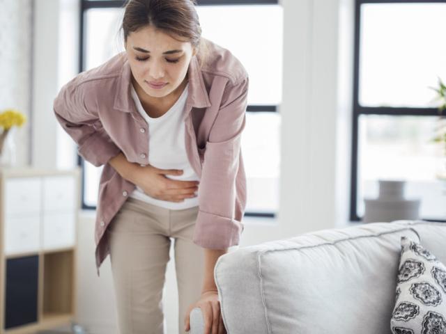 Figyeljünk az intő jelekre! Ezt üzeni testünk a gyomorfájdalommal