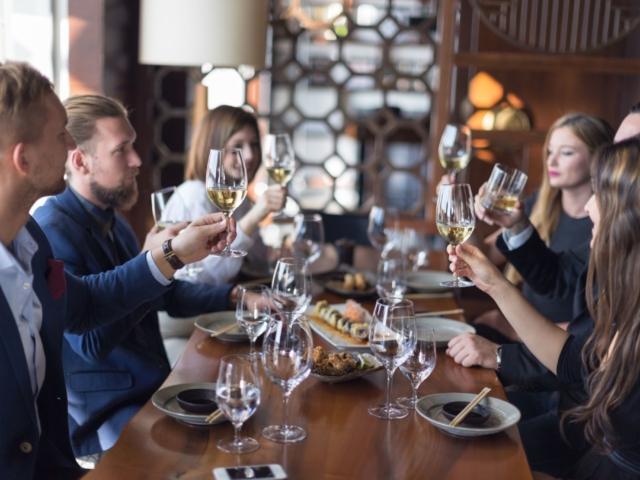 """Hallottál már a """"Nyisd ki azt a bizonyos üveg bort!"""" estéjéről?"""