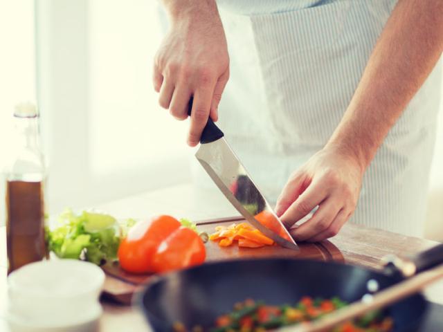 Ingyenes főzőtanfolyam Massimo Bottura sztárséffel és ismert szakácsokkal