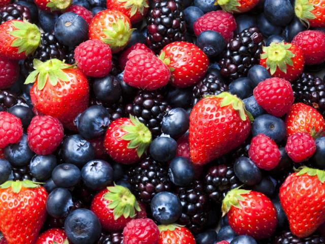 Apró, guruló szemek… 8 érdekesség a finom és egészséges bogyós gyümölcsökről