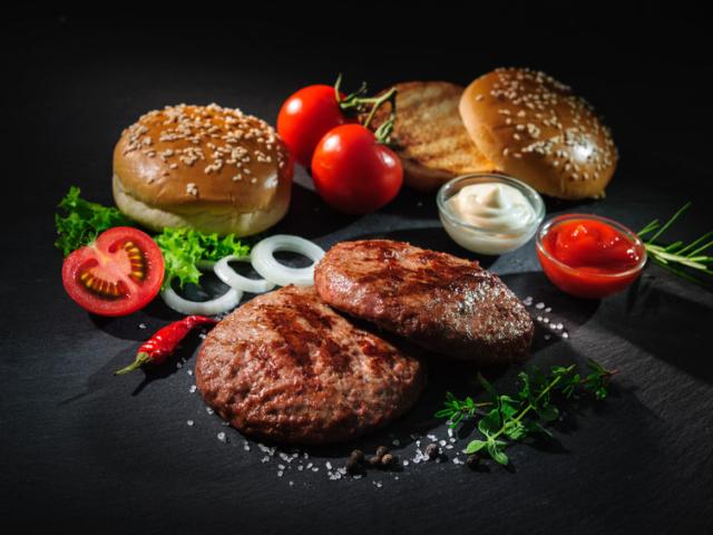 Tökéletes hamburgerparty a kertben