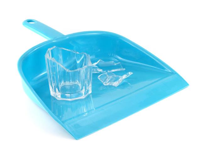 Eltört a pohár? Szedd össze biztonságosan az üvegszilánkokat!