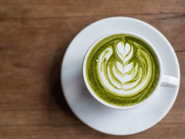 Jól jönne egy kis plusz energia reggelre? A kávé mellett próbáld ki ezt a 3 italt is!