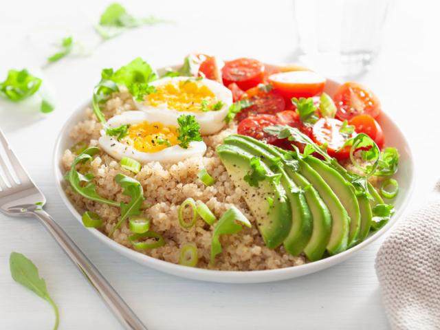 A saláta is lehet teljes értékű étkezés! Ha így készíted, tökéletes könnyű ebéd lesz belőle