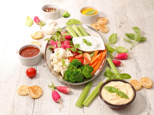 Egészséges zöldségkelyhek a munkahelyre