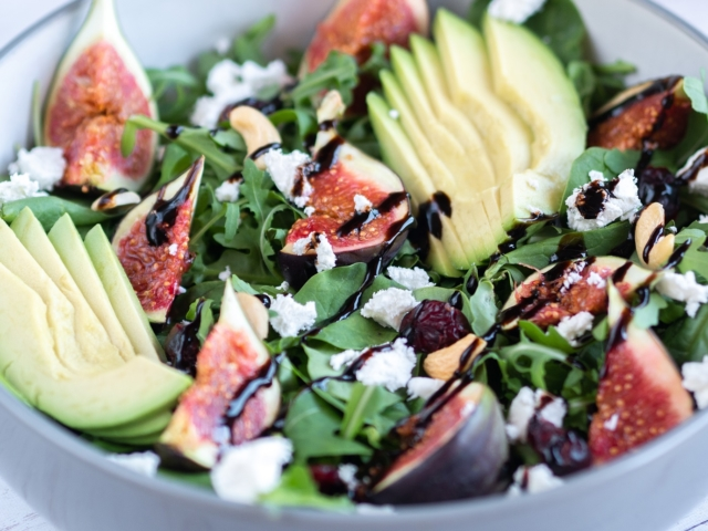 Karamellizáltfüge-saláta