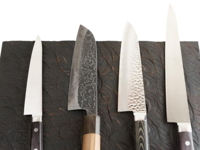 Így élezhetünk kést egy bögre segítségével