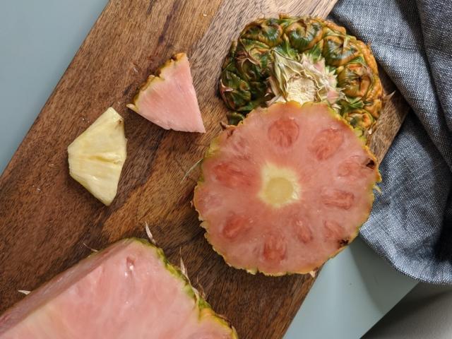 Hallottál már a rózsaszínű ananászról?