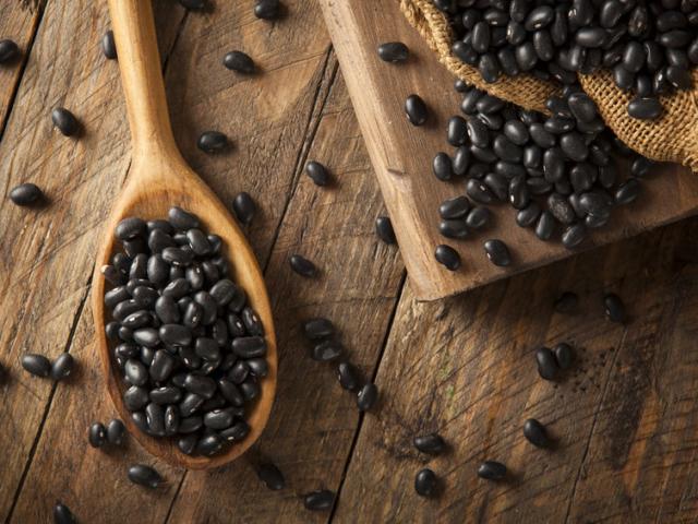 A fekete bab az egyik legegészségesebb hüvelyes – mutatjuk, miért fogyaszd rendszeresen