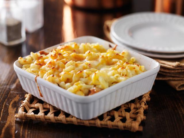 Mi a különbség a főtt és a sült tészta elkészítési módja között?