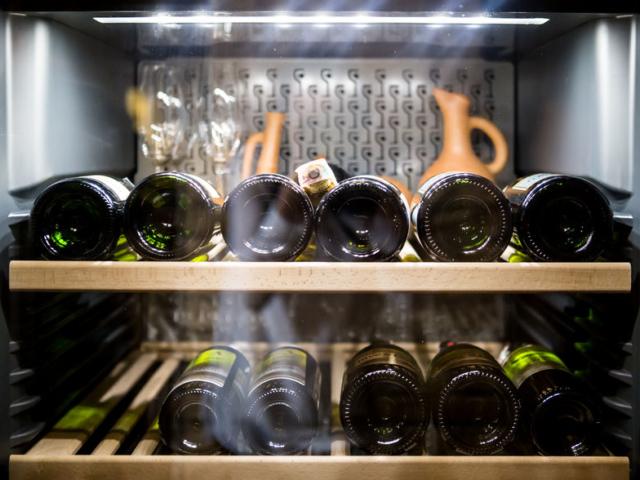 Milyen hőmérsékleten fogyasszuk a különböző borokat?