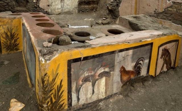 Kétezer éves gyorséttermet találtak a régészek Pompejiben