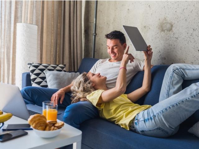 Otthon maradós Valentin-nap: 5 hangulatos program, hogy romantikus legyen az este