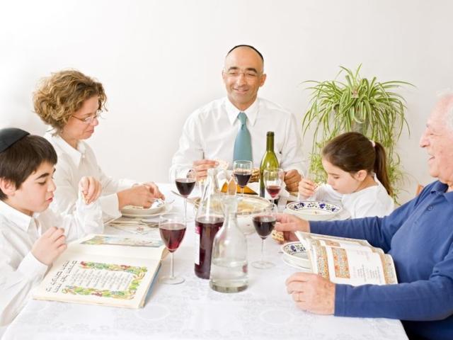 Macesz, hámec, kovásztilalom – ismerd meg a zsidó húsvét gasztronómiai hagyományait!