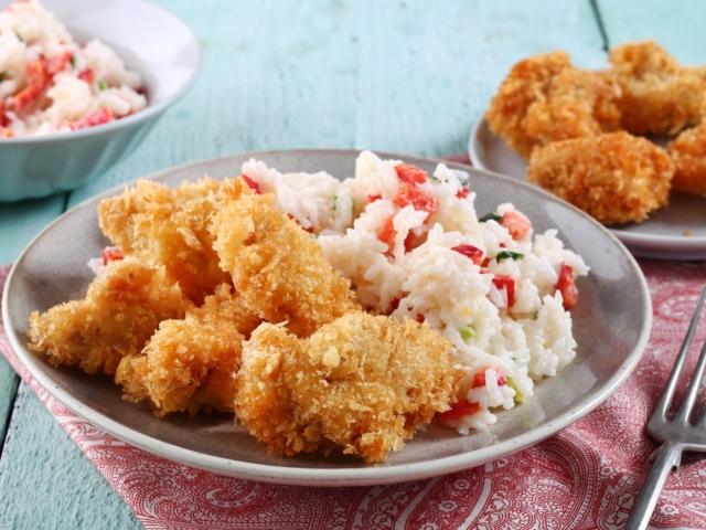 Ropogós csirke rizssalátával