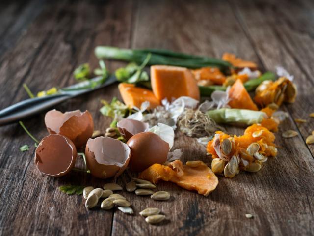 Ezt az egyszerű házi komposzt elegyet biztosan meghálálja a kiskerted