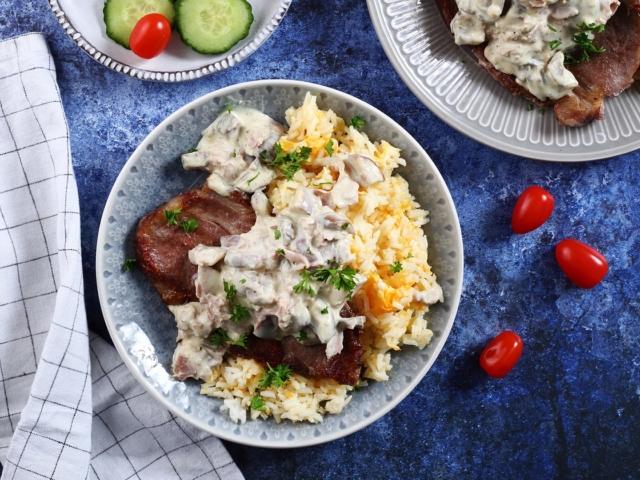 Sonkás-gombás tarja tojásos rizzsel