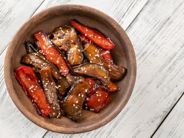 Így készíts villámgyors padlizsán stir-fry vacsorát