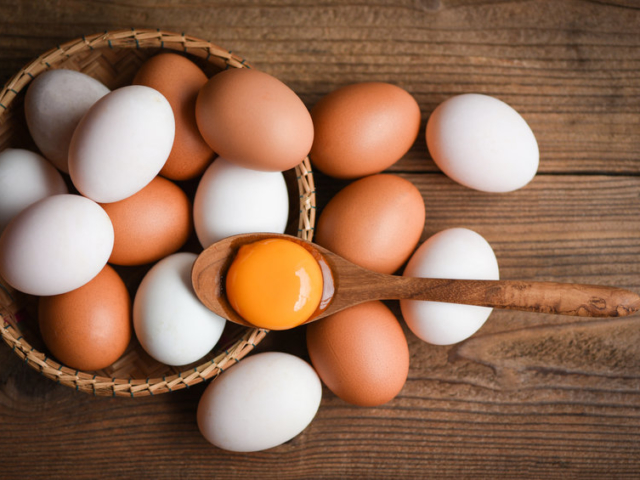 Vajon mik azok a fehér szálak a tojásban?