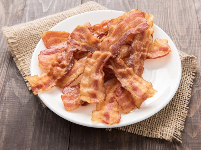 Süssünk bacont a mikróban! Mutatjuk, miért praktikus