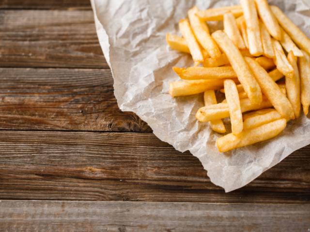 Hogyan melegítsük meg a hasábkrumplit?