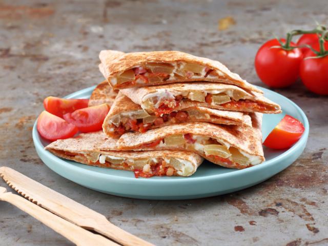 Juhtúrós-baconös quesadilla