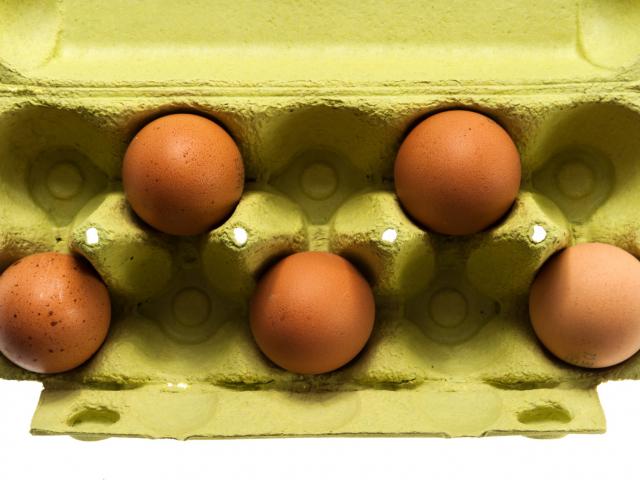 Lehet, hogy egész életünkben rosszul szedtük ki a tojásokat a tojástartóból?