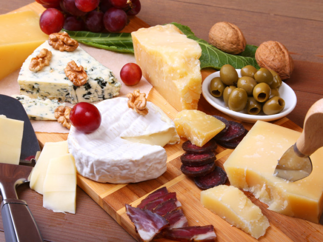 Mi az oka annak, hogy néha erősen megkívánjuk a sajtot?