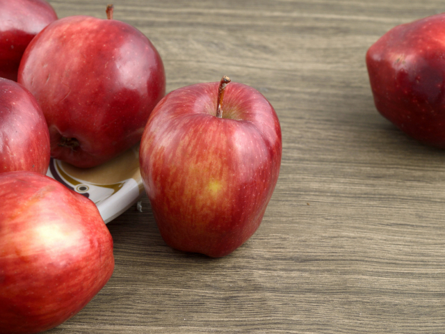 Viasz az almán? Mutatjuk miért (és hogyan) távolítsd el