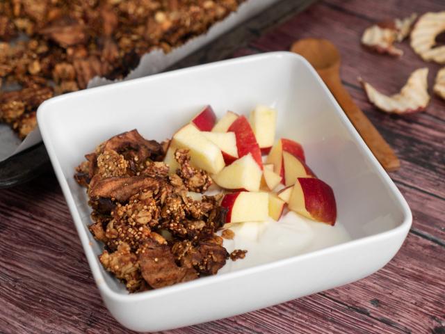 Almás pite granola