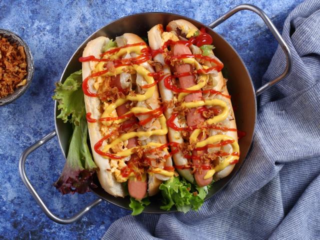 Savanyú káposztás hot dog